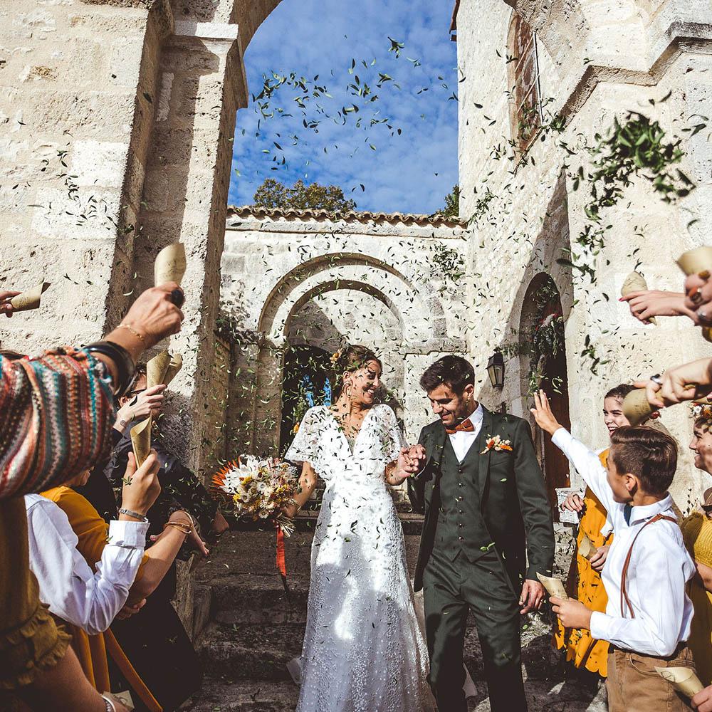 M &C-L - Photographe : Stephany Mora / Robe de mariée : Rembo Styling