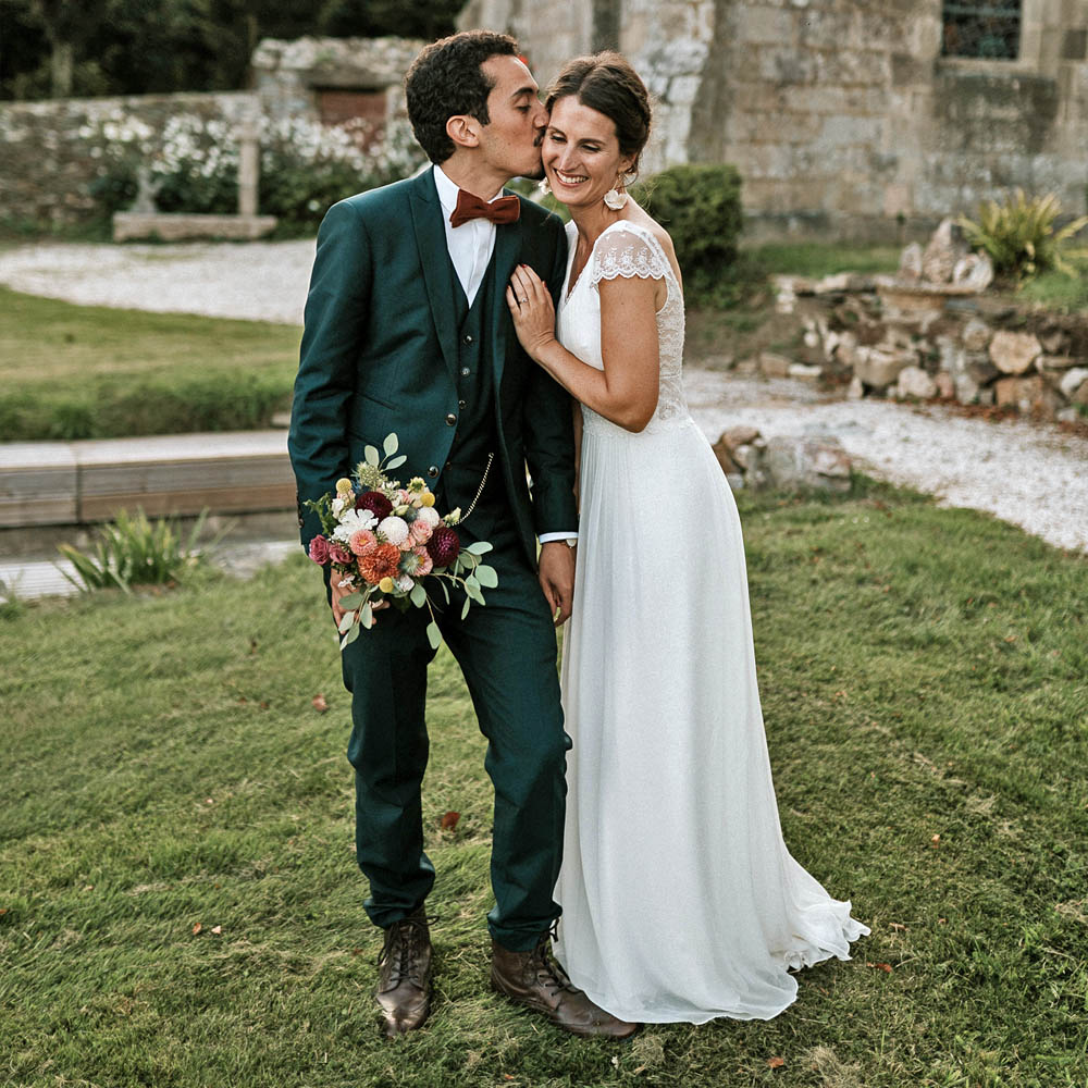 A & J - Photographe : Fanny rucher / Robe de mariée : Angeola Biarritz